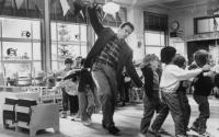 Детсадовский полицейский / Kindergarten Cop (Арнольд Шварценеггер, 1990).  6Q9YrqBn