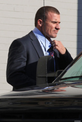 Dominic Purcell on the set of 'Bailout: The Age of Greed' - April 27, 2012 - 17xHQ WoJGeDYX