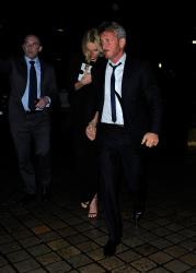 Sean Penn - Charlize Theron and Sean Penn - seen leaving Royal Festival Hall. London - February 16, 2015 (153xHQ) 6gpXSZ4U