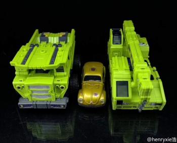 [Toyworld] Produit Tiers - Jouet TW-C Constructor aka Devastator/Dévastateur (Version vert G1 et jaune G2) - Page 7 PBMFxFKH