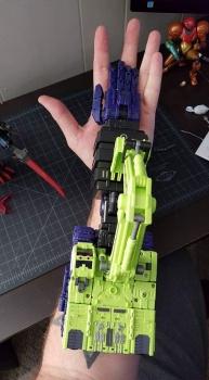 [Toyworld] Produit Tiers - Jouet TW-C Constructor aka Devastator/Dévastateur (Version vert G1 et jaune G2) - Page 4 Vempgy5t