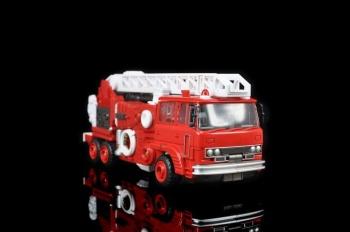 [Maketoys] Produit Tiers - Jouet MTRM-03 Hellfire - aka Inferno OjLivAWu