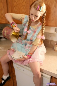 Dolly - Baking Cookies - [dolly's-playhouse] 9wtsBkwl