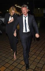 Sean Penn - Charlize Theron and Sean Penn - seen leaving Royal Festival Hall. London - February 16, 2015 (153xHQ) LWQokzaG