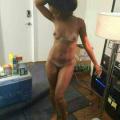 Rihanna desnudita.