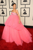 Rihanna  57th Annual GRAMMY Awards in LA 08.02.2015 (x79) updatet OGqJ9vg7