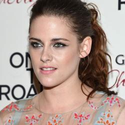 Kristen Stewart - Imagenes/Videos de Paparazzi / Estudio/ Eventos etc. - Página 31 AbsghEOx