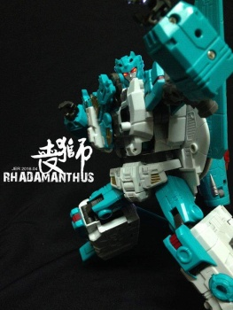 [TFC Toys] Produit Tiers - Jouet Hades - aka Liokaiser (Victory) - Page 3 GsYnleEQ