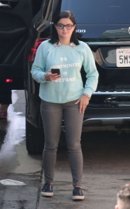 Ariel Winter - Filming Modern Family in Los Angeles - March 2nd 2017