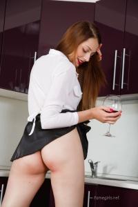 Isabella - In The Kitchen - [famegirls] V3SYJ4cJ