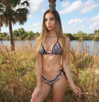 Bruna Lima Nude Photos 56