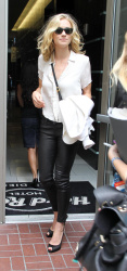 Yvonne Strahovski at 2012 Comic-Con appearance - Leather ... Yvonne Strahovski Leather