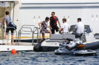 Nina Dobrev and Asustin Stowell enjoy the ocean off the cost the French Riviera (July 26) IJdEbTJQ