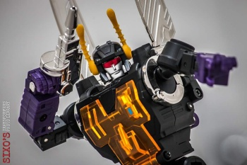 [Fanstoys] Produit Tiers - Jouet FT-12 Grenadier / FT-13 Mercenary / FT-14 Forager - aka Insecticons - Page 4 CcyMQIfL