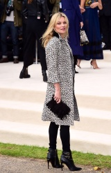 Kate Moss - London Fashion Week Spring/Summer 16 Burberry Prorsum @ Kensington Gardens in London - 09/21/15