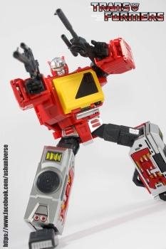 [KFC Toys] Produit Tiers - Jouet Transistor (aka Blaster/Tempo) + DoubleDeck (Twincast) + Fader (aka Eject/Éjecteur) + Rover (aka Autoscout) - Page 2 Fw1x0VsJ