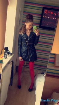 selfie06 Red Lingerie