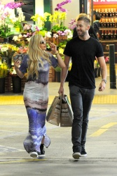Calvin Harris and Rita Ora - out in New York - June 20, 2013 - 24xHQ E70ARXXt