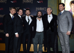 Richard Armitage - attends 'The Hobbit An Unexpected Journey' New York Premiere benefiting AFI at Ziegfeld Theater in New York - December 6, 2012 - 14xHQ Votea6u6
