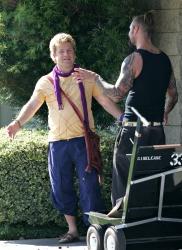 Josh Holloway & Sean Astin - Stay Cool Set - 29xHQ Ev8k5O41