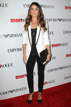 Fotos MQ & HQ: Nikki Reed en evento de Teen Vogue's 10th Anniversary Annual Young -27 Sept AduyvfMg