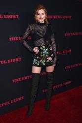 """MEGA POST: Bella Thorne con espectaculares botas en el estreno de """"The Hateful Eight"""" en Los Angeles (7/12/15) 7QSHvbH0"""
