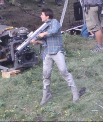 Tom Cruise - on the set of 'Oblivion' in Mammoth Lakes, California - July 11, 2012 - 18xHQ SU2uqkrO