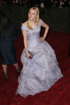Dakota Fanning / Michael Sheen - Imagenes/Videos de Paparazzi / Estudio/ Eventos etc. - Página 5 AagP6hlD