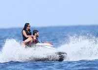 Nina Dobrev with her boyfriend Austin Stowell in Saint-Tropez (July 24) N8yRIPjl