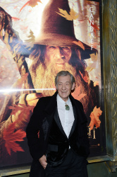 Ian McKellen - 'The Hobbit An Unexpected Journey' New York Premiere benefiting AFI at Ziegfeld Theater in New York - December 6, 2012 - 28xHQ W5xOnqOL