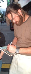 Josh Holloway - Fan Encounter While Filming in Vancouver (2005.06.11) - 2xHQ BqDuDCLQ