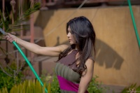 Дениз Милани, фото 5134. Denise Milani Watering the garden :, foto 5134