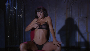 Demi Moore, Rena Riffel, Pandora Peaks &more @ Striptease (US 1996) [HD 1080p]  Mh7ual0T