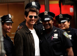 Tom Cruise - on the set of 'Oblivion' in New York City - June 13, 2012 - 52xHQ WaiZSicq