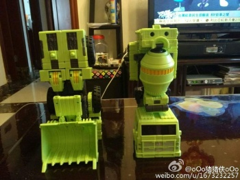 [Toyworld] Produit Tiers - Jouet TW-C Constructor aka Devastator/Dévastateur (Version vert G1 et jaune G2) - Page 7 Zh1Iw2Hy