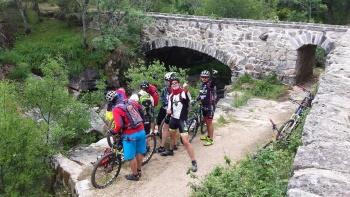 14/06/2015 - Cercedilla a Segovia por el Río Eresma - 7:15 Pedaleando. B9DfddzM
