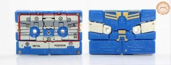 [KFC Toys] Produit Tiers - Jouet Transistor (aka Blaster/Tempo) + DoubleDeck (Twincast) + Fader (aka Eject/Éjecteur) + Rover (aka Autoscout) - Page 2 Y2PoKblE