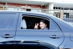 Ian Somerhalder - waves to photographers as he arrives at a private party in Rio - June 01, 2012 - 7xHQ 6dIMQmRt