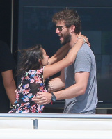 Nina Dobrev and Asustin Stowell enjoy the ocean off the cost the French Riviera (July 26) WuTkjsSD