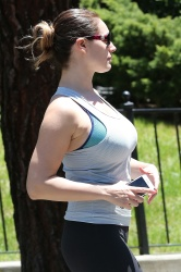 Kelly Brook at Runyon Canyon Park in L.A. - 4/26/15