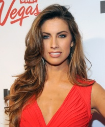acvItxPL Katherine Webb ~ 2013 Sports Illustrated Swimsuit Launch Party / NYC, Feb 12 candids