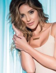 Adriana Arango 8