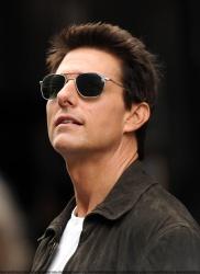 Tom Cruise - on the set of 'Oblivion' in New York City - June 13, 2012 - 52xHQ Orcjb7Uk