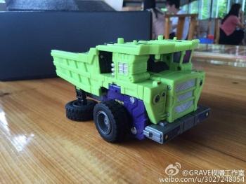 [Toyworld] Produit Tiers - Jouet TW-C Constructor aka Devastator/Dévastateur (Version vert G1 et jaune G2) - Page 7 TS84fL93