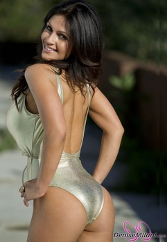 Дениз Милани, фото 4894. Denise Milani Gold One-Piece (Low Quality), foto 4894