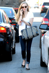*Adds*Amanda Seyfried Out On Melrose Jan 19, 2013 HQ x 20