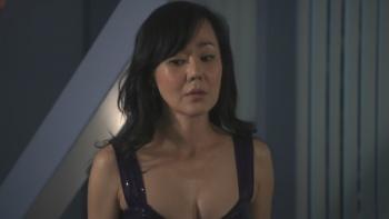 Kim nackt Jin Yun  Christina Applegate