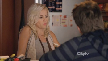 Elisha Cuthbert - Happy Endings S01 E06 (2011) Clevage | HD 720p