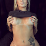 Gatas QB - Karol Schwonke Revista Sexy Novembro 2015