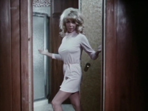 Angelique Pettyjohn, Julie Newmar (nn) @ Up Your Teddy Bear (US 1970) PKmBioHK